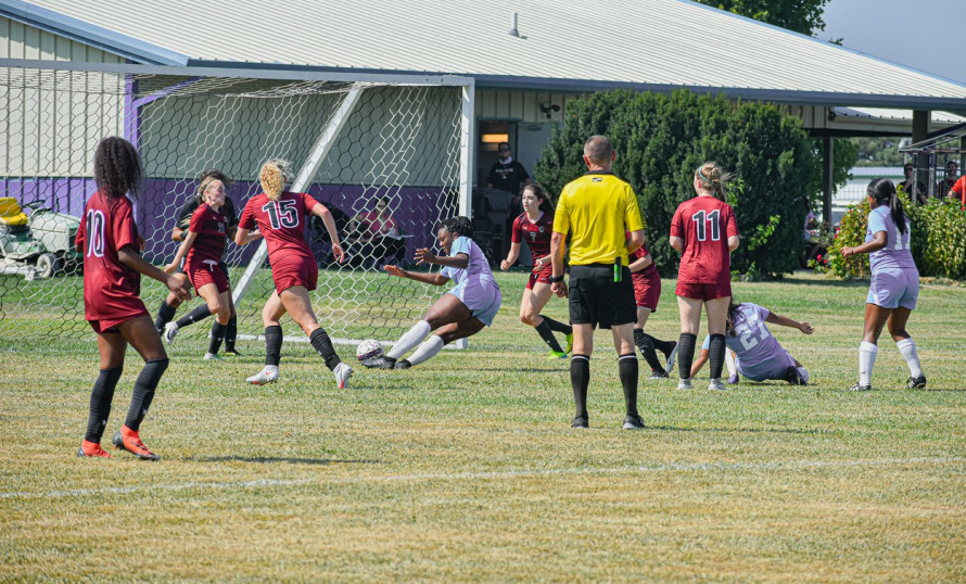 Jamison scores in final seconds to lift Panthers over Bethel
