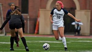 Smith nets goal, Dawgs move to 2-0 in GPAC
