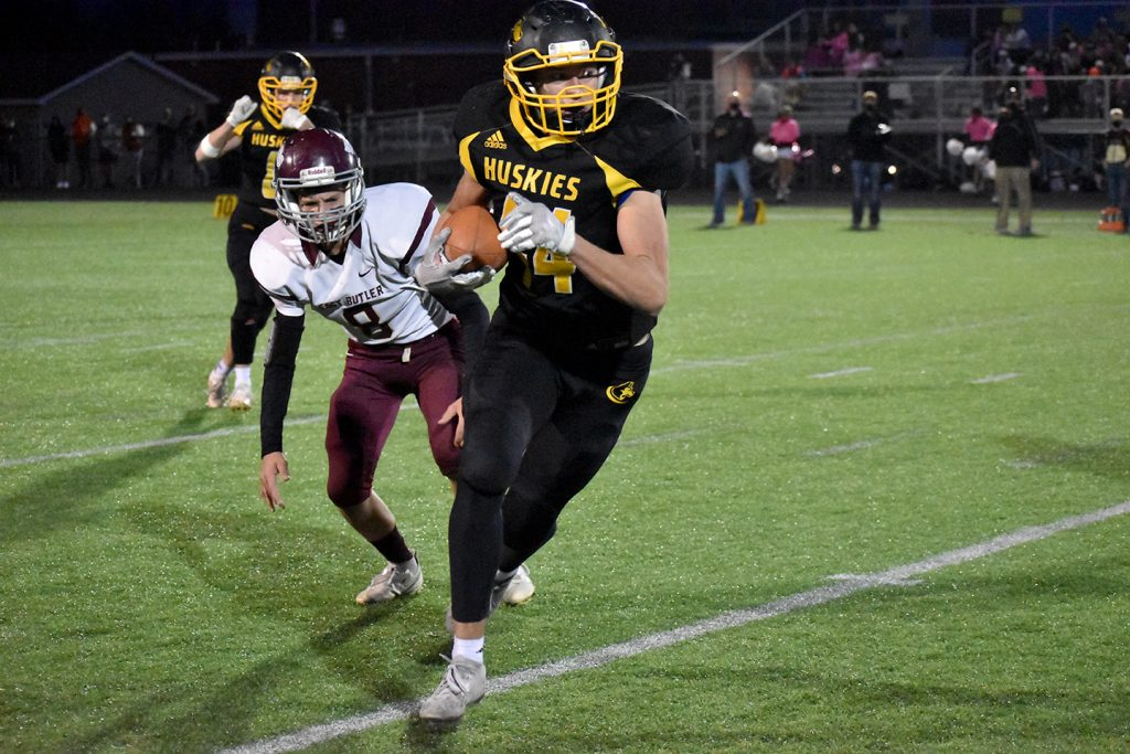 Wingard throws eight TD passes as SRC takes down East Butler