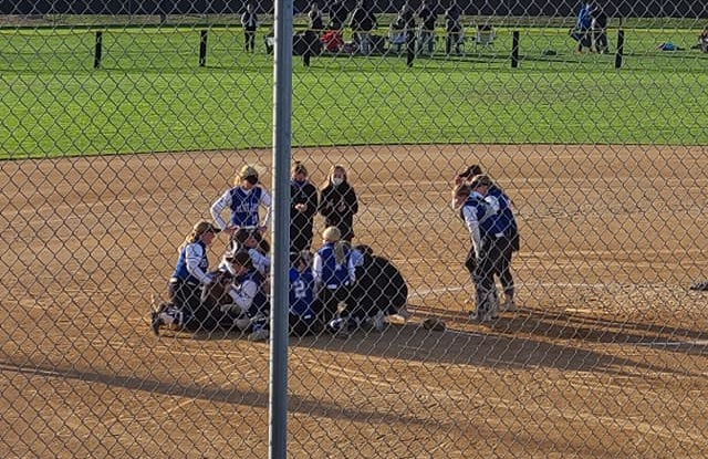 GACC Survives Elimination Bracket to Win State Softball Title