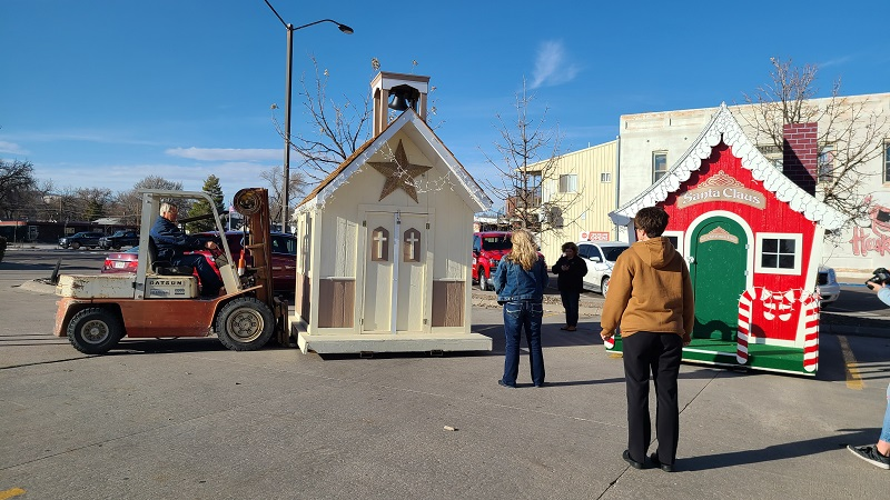 Santa's Village Springs Up in Gering Civic Center Parking Lot