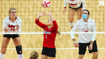 VIDEO: Huskers Hold Red/White Scrimmage