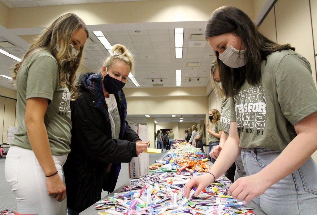 UNK sorority sending 451 holiday care packages to US service members