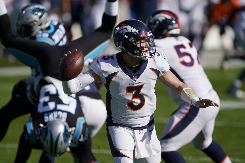 Lock throws career-high 4 TDs, Broncos top Panthers