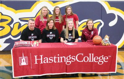 Bauer Signs With Hastings College