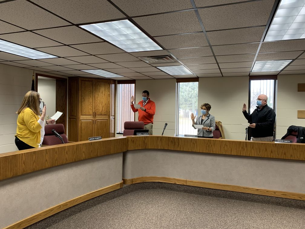 Lexington City Council Swears in Council Members and Re-Elects Mayor Fagot