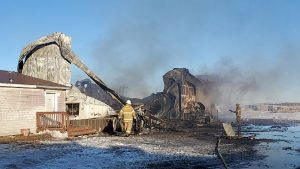 (AUDIO) Building and feed truck destroyed in Oconto feedyard fire