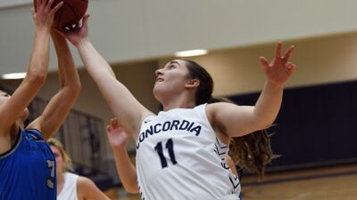Luebbe breaks through with 20 points in loss at Morningside