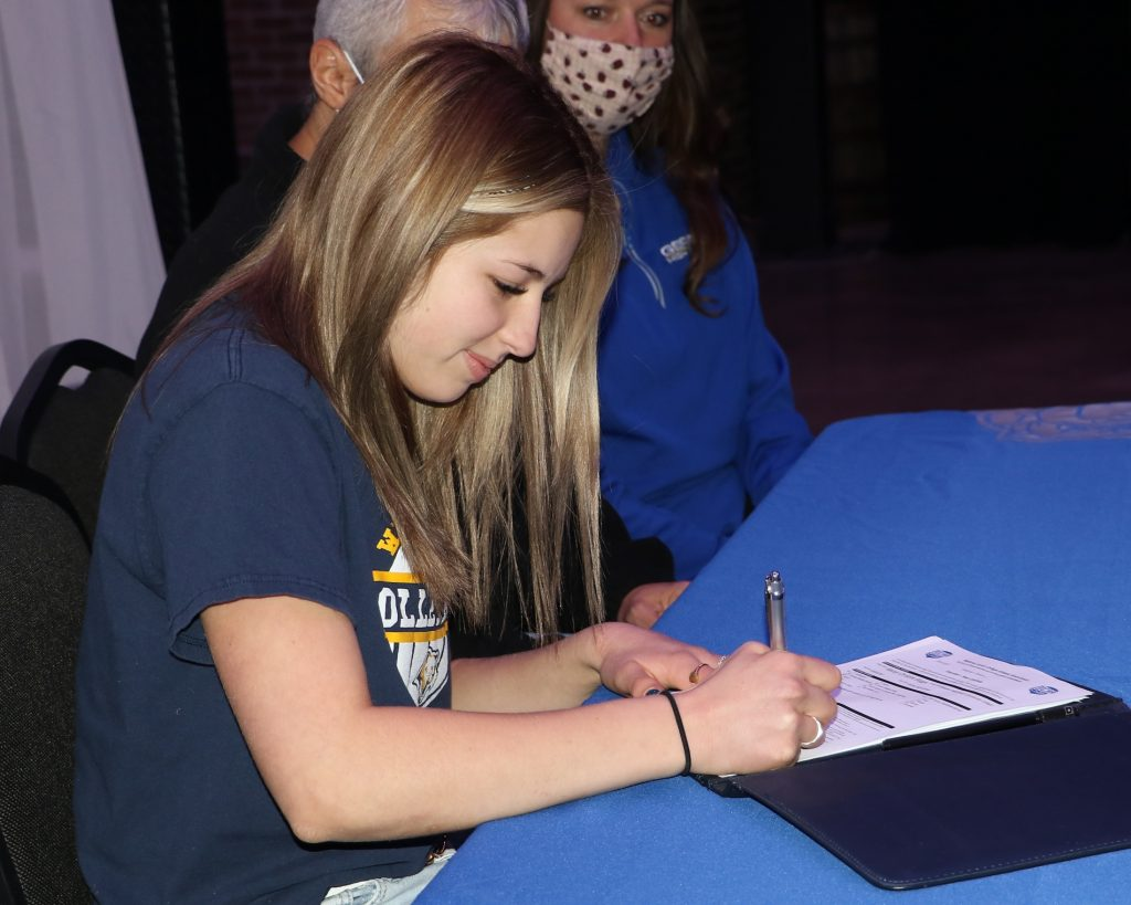 Gering's Boggs headed to WNCC for volleyball