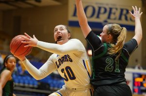 Eighmey Wins 100th Game at UNK