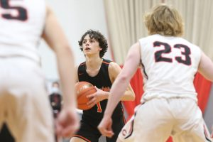 (Audio) Cozad girls survive; Minutemen boys grab road win
