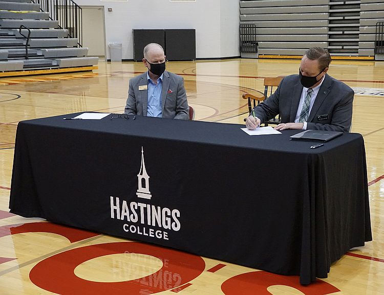 CCC and Hastings College Sign New Agreement