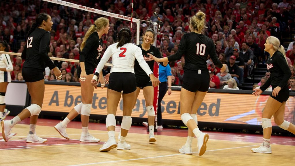 Huskers Start Season Ranked 5th