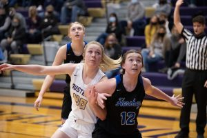 (AUDIO) - Lady Dusters Win Nail-Biter Over Hershey