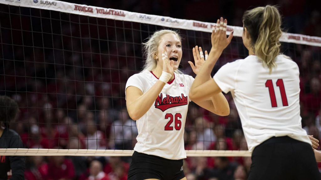 Stivrins, Sun Named to Preseason All-Big Ten Team