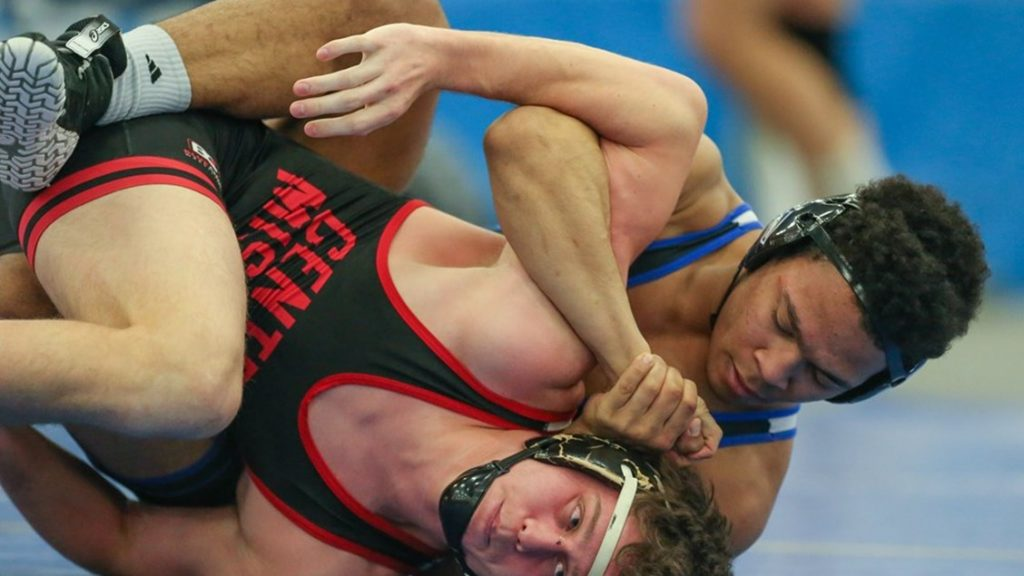 Lopers Win Big In Home Dual