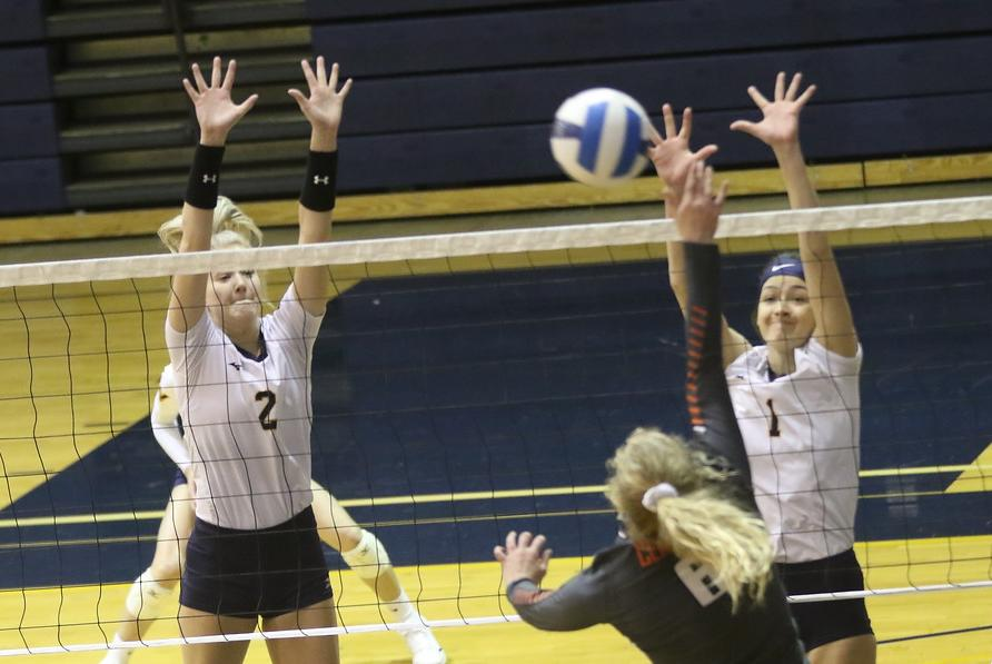 WNCC volleyball splits matches at McCook Tourney