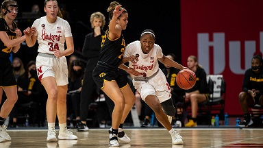 Huskers' late rally comes up short against Iowa
