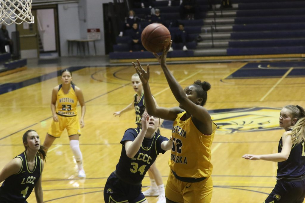 19th-ranked WNCC women top LCCC