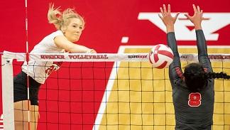 Husker Volleyball beats previously unbeaten Buckeyes
