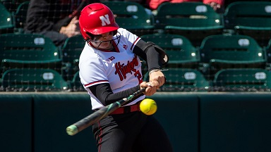 Huskers lose series opener to Illinois