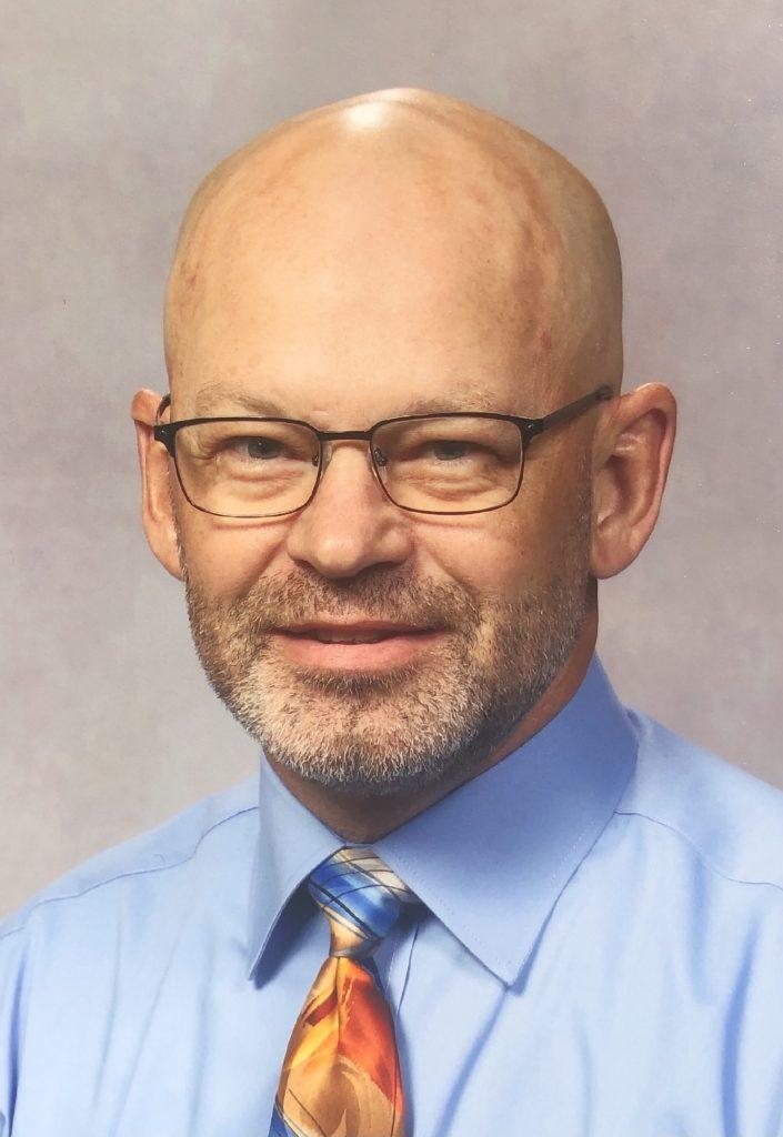 Pender FFA Advisor Rusty Bartlett Receives Award